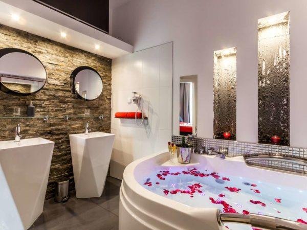 łazienka z jacuzzi