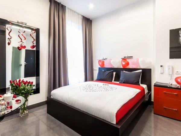 łóżko dwuosobowe aparthotel komorowski