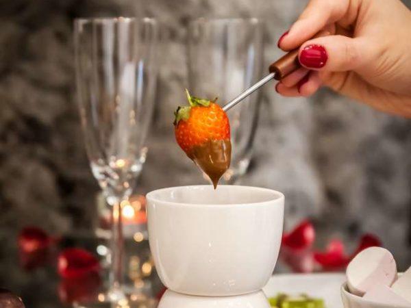 truskawki i fondue aparthotel kraków